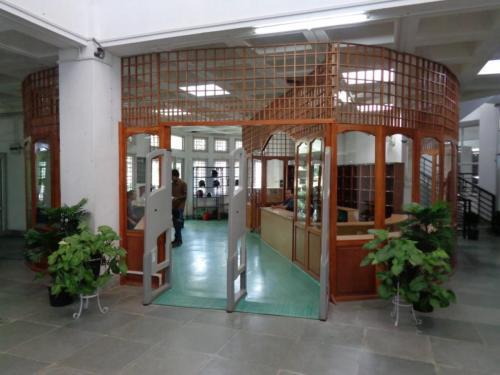 Security Gate (1)